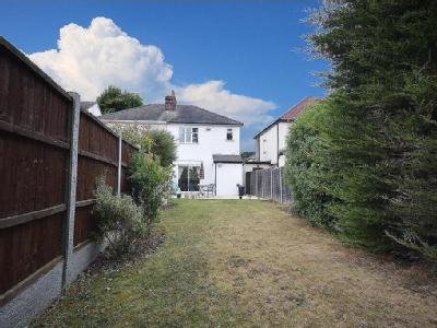 Clive Road, Romford, Rm2 - Garden
