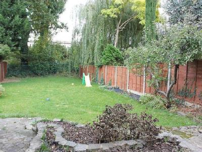 Kings Avenue, Woodford Green - Garden