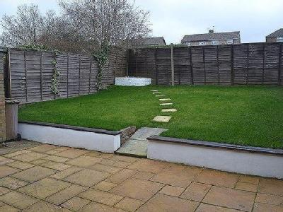 Searby Road, Scunthorpe - Garden