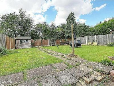 Claxby Road, Scunthorpe - Garden