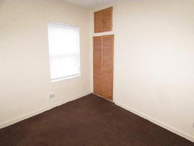 House to let, Goodison Road