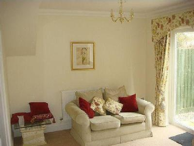 Woodbury, Well Presented Modern Terraced Home Overlooking The Village Green