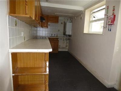 House to let, King Street - Reception