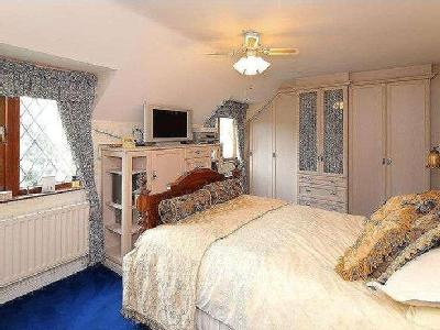 House for sale, Shawbirch Road