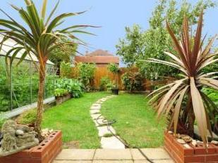 House for sale, Victoria Road - Patio