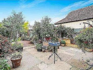 House for sale, Forest Road - Garden