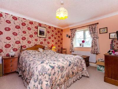 House for sale, Manor Gardens - Patio