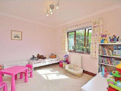 House for sale, Rugby Road - Detached