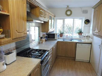 House to let, Runnymede Road - Garden