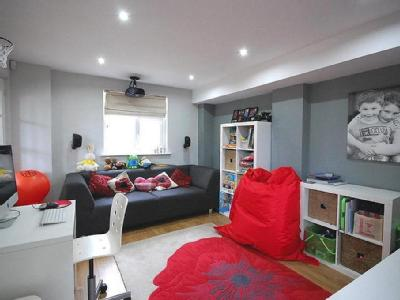 Clare Road, Braintree, Cm7 - Freehold