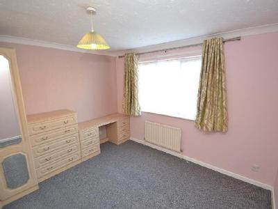 House to let, Canford Heath - Garden