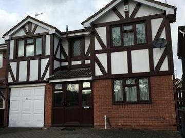 Stunning Bedroom House Situated In Wolverhampton On Capponfield Close Wv14