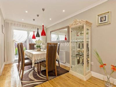 House for sale, Chigwell - Terrace