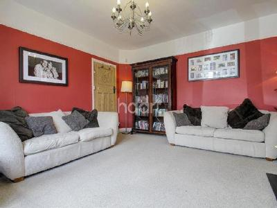 Southway, Raynes Park Sw20 - Terrace