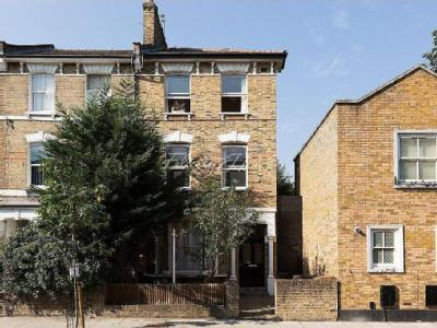 Jenner Road, N16 - Maisonette