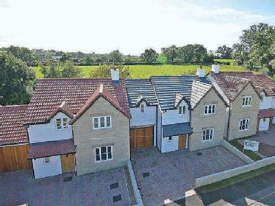 Superb Newly Built Property Within Wallking Distance Of Wedmore