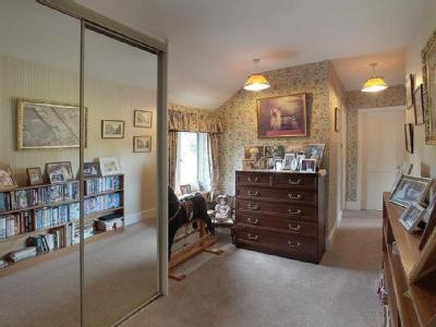 Bedroom House Detached In Ashton