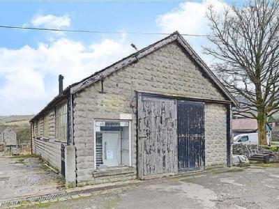 Leyburn And Townend Garage, Townend, Bradwell, Hope Valley, Derbyshire, S33