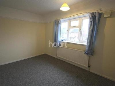 House to let, Russell Avenue