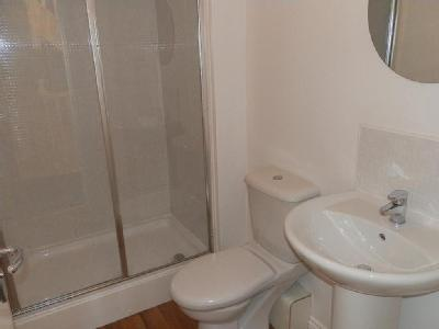 Twentyman Walk, Middleton - En Suite