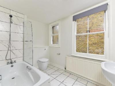 House to let, Elms Road, Sw4