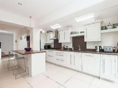 House to let, Onslow Avenue - Terrace