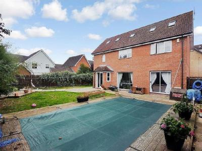 House for sale, Timbers Close