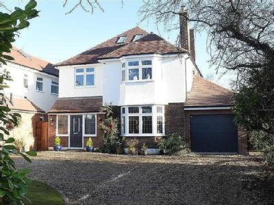 Chignal Road, Chelmsford - Detached