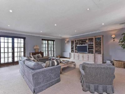 Old Avenue, St George's Hill, Weybridge, Surrey, Kt13