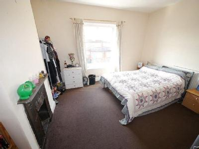 Adwick Place, Burley, Ls4 - Furnished