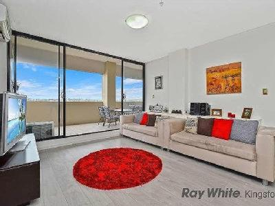 Flat to buy Boyce Rd - Lift, Balcony