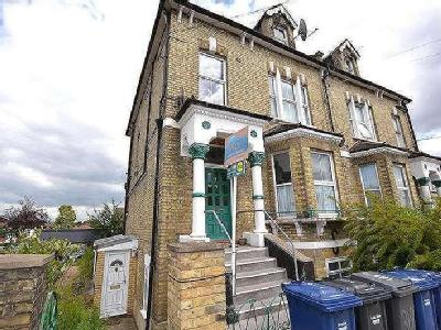 Oakleigh Road North, N20 - Freehold