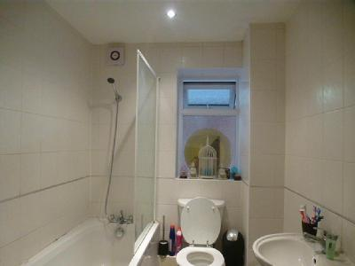 Flat for sale, Ancaster Road - Modern