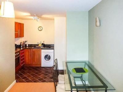 Flat to rent, Hedgerow Close