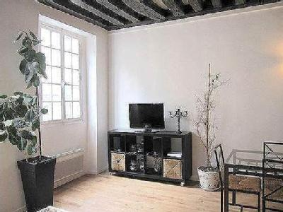 Location immobilier dans rue quincampoix paris for Location immobilier atypique paris