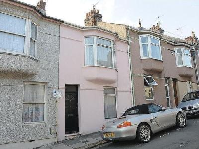 Beaumont Avenue, Plymouth, Pl4