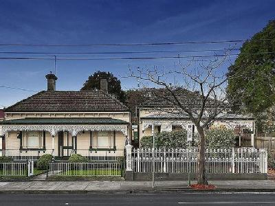 & Barkers Road, Kew - Auction, Patio