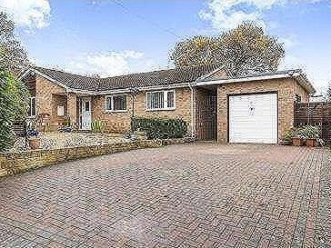 Charlock Close, Gloucester, Gloucestershire, Gl4