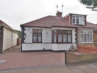Forest Road, Romford Rm7 - Kitchen