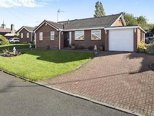 Chatsworth Drive, Tutbury, Burton-on-trent De13