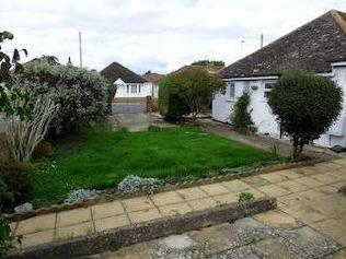 Courtwick Road, Wick, Littlehampton Bn17