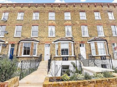 Byrne Road, Sw12 - Leasehold, Patio