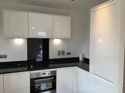 Clarence Ave, Ilford, Ig2 - En Suite
