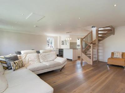 Crediton Hill, West Hampstead, Nw6
