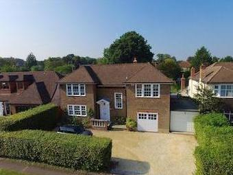 Woodlands Way, Ashtead Kt21 - Garden