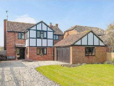 Worminghall Road, Ickford, Hp18