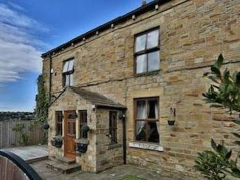 Soothill Lane, Batley Wf17 - Detached