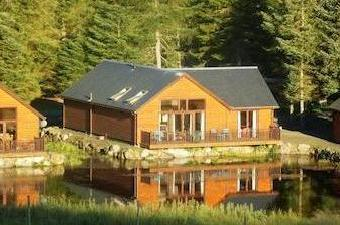 Leighton Lodge, Glengoulandie Country Park, Pitlochry Ph16