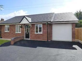 Orchard Close, Weaverham, Northwich, Cheshire Cw8