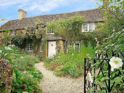 Ampney St. Peter, Cirencester, Gl7